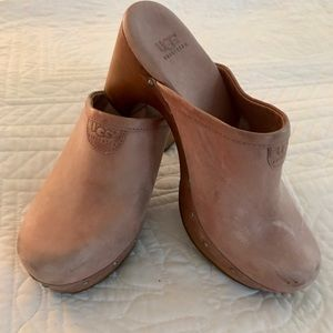 Ugg Abbie Tan Suede Clogs